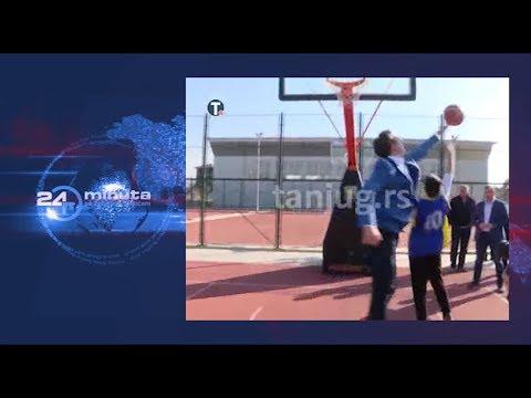 Predsednik Srbije lupa bananu klincu | ep165deo03