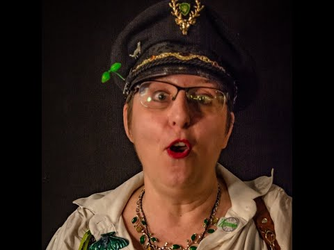 Anja Bagus stöbert