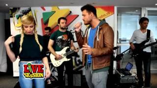 Peter Pop feat Lora - Singuri in doi ProFM LIVE Session