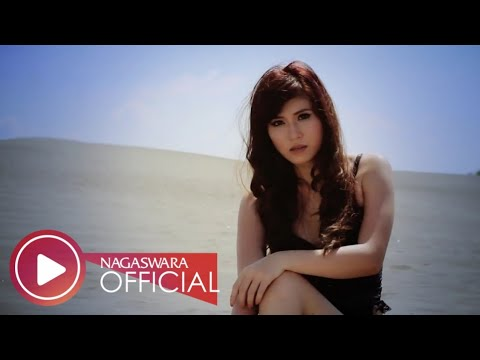 Putri Fe - Serigala Busuk (Official Music Video NAGASWARA) #music
