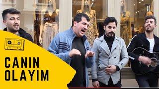 Bilal Göregen istiklal caddesinde efsane bir türkü okudu (Canın Olayım)