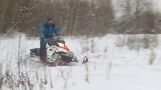 Испытания снегоходов перед охотой.