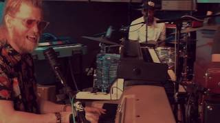 """Allen Stone """"Love Where You're At"""" Live at Custom Vintage Keyboards"""