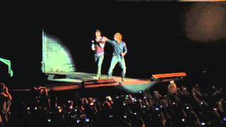 Axel y David Bisbal- Digale en vivo Estadio Velez 2012