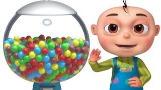 cinco bebés usan la máquina de bolas rimas infantiles para niños videogyan español
