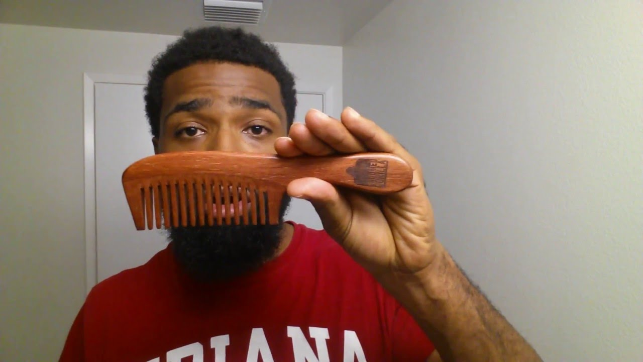 4 Reasons Why You Should Use A Wooden Comb Vs Plastic
