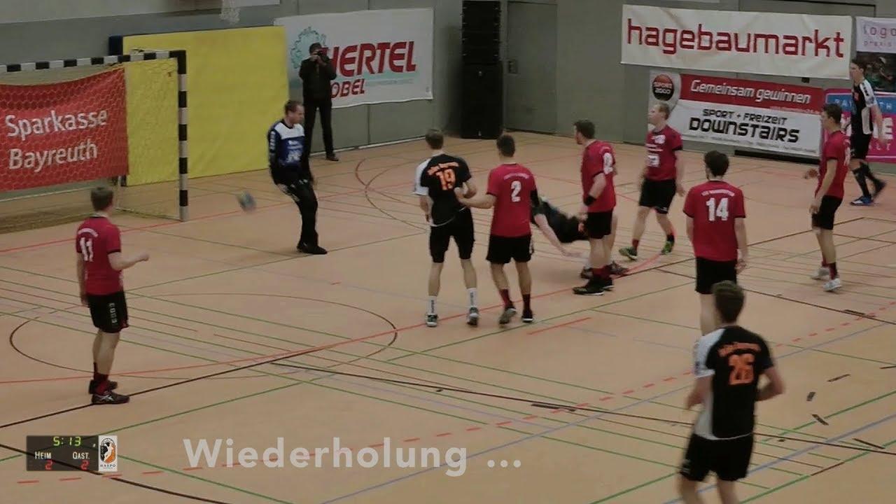 So Cool Ist Handball über Den Eigenen Kopf Gezogenes Rückhand Tor Durch Die Torwartbeine