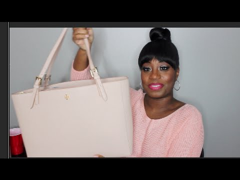 71238e31859 WHAT S IN MY BAG  TORY BURCH YORK BUCKLE TOTE - YouTube