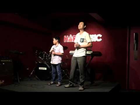Performance @ Hark Music on 6 Dec 2015
