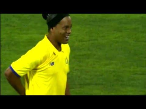 Ronaldinho Skills vs FC Valencia 09.05.2018 [by nitter]