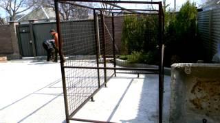 Как сделать хороший вольер для собаки из сетки канилированной в частном доме