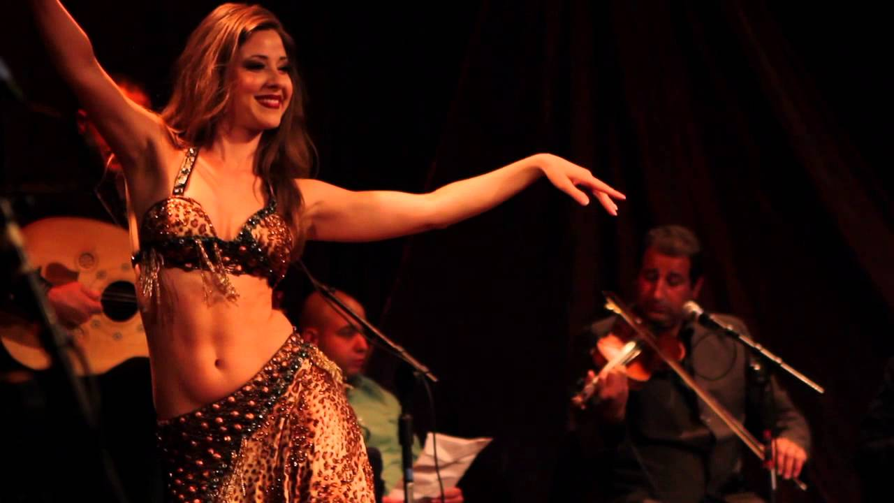 Nathalie Belly Dancing to Aziza