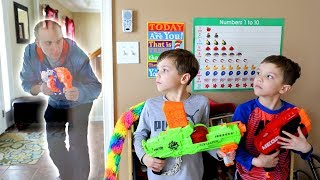 Nerf War :  Stranger Things (Twin Toys)