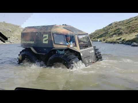 Russian Sherp ATV Stuck in river - Засадили