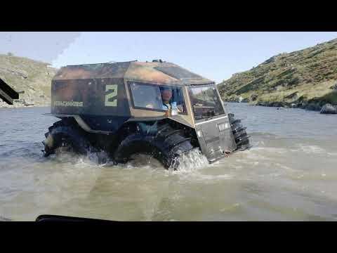 "Russian Sherp ATV Stuck in river - Засадили ""Шерп"" на камень в реке"