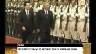 Raúl Castro es recibido por el mandatario chino Hu Jintao