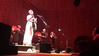 Wallis Bird live in der Elbphilharmonie - Feathered Pocket