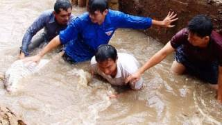 VTV4: Local Officials, Farmers Working Together to Save Farms from Floods