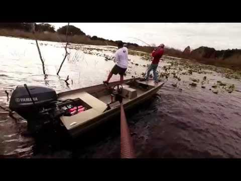 Flippin Sticks and Heavy Cover out of an Aluminum Jon Boat using the Power-Pole Micro Anchor