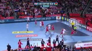 Červar vuče bjeloruskog igrača u zadnjem napadu