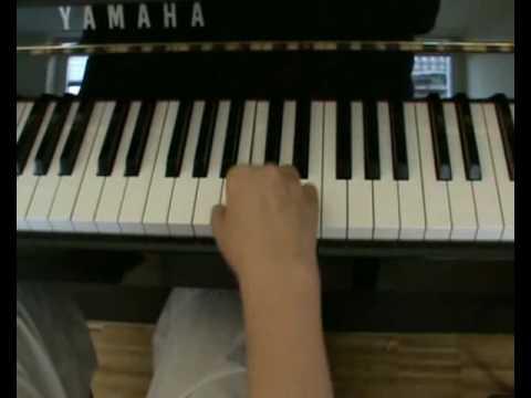 einfacher klavier spielen lernen mit akkorden youtube. Black Bedroom Furniture Sets. Home Design Ideas