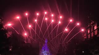Диснейленд в Париже: лазерное шоу с фейерверком