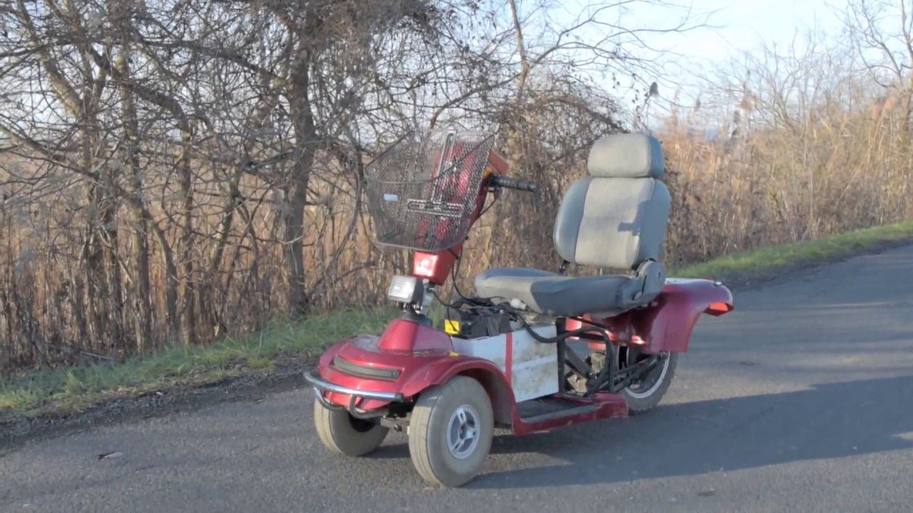 Funny Video: Insane Electric Scooter Goes Over 65 MPH