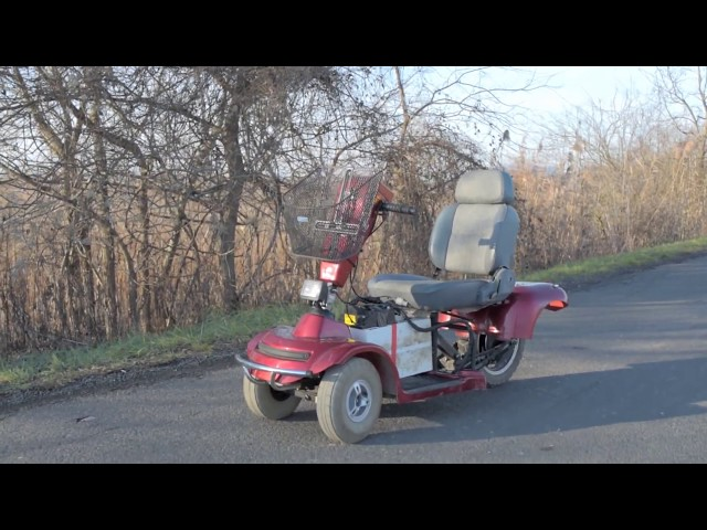 Insane electric mobility scooter over 100km/h topspeed