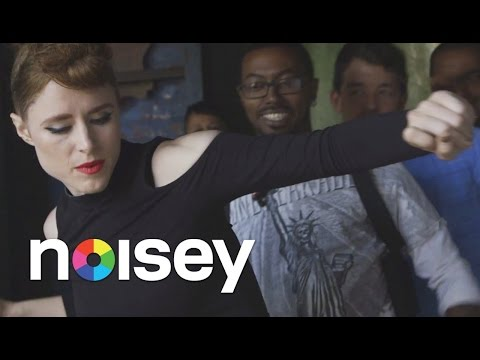 """Kiesza Taught Us the Dance Moves from """"Hideaway"""" - Noisey Meets"""