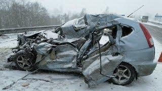 Под Оренбургом столкнулись 10 машин, в том числе скорая и уборочная техника
