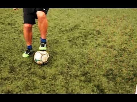 How to Do a Maradona | Soccer Lessons