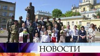 Во Львове гости пришли на свадьбу в нацистской форме.