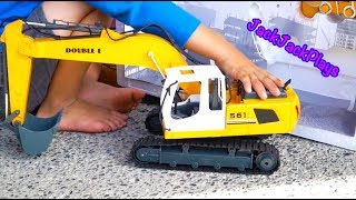 Excavator Videos for Children: Kids Toy Unboxing - Playing with RC Construction Truck