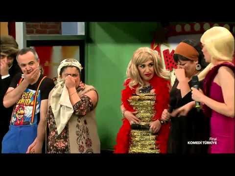 Komedi Türkiye - Tuğçe Karabayır'ın Kapışılan TV Yarışması Skeci (1.Sezon 13.Bölüm)