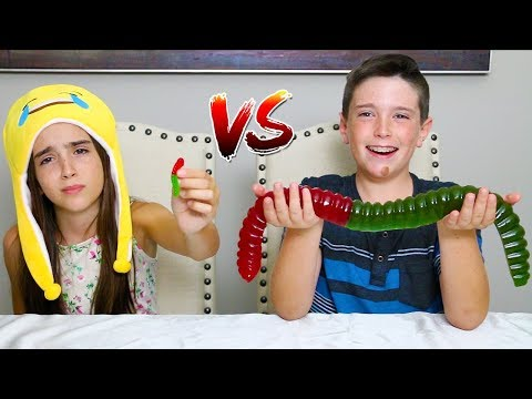 MINI GUMMY FOOD vs GIANT GUMMY FOOD!!
