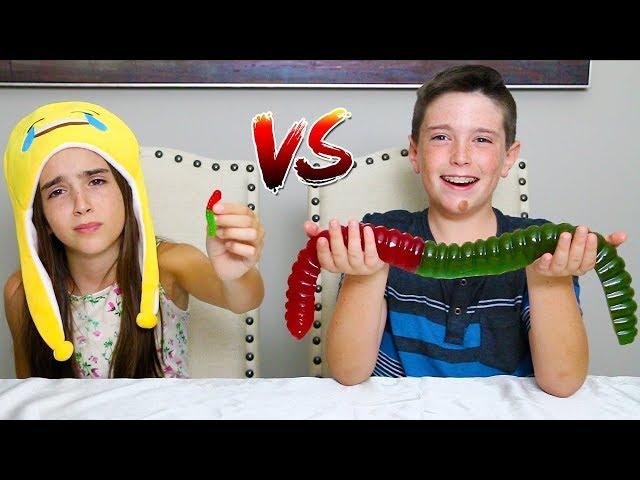 MINI GUMMY FOOD vs GIANT GUMMY FOOD!!