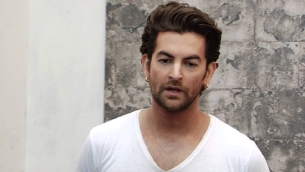 neil nitin mukesh mother name