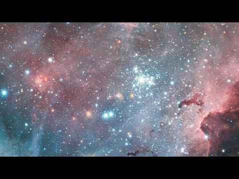 Hubble : étoiles massives étincelantes dans la nébuleuse de la Carène