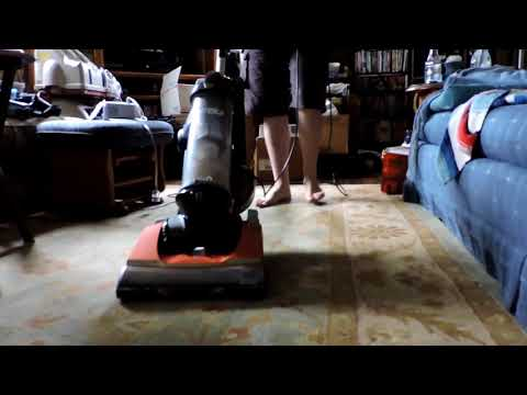 (2015) Eureka Brushroll Clean With SuctionSeal AS3401A First Test