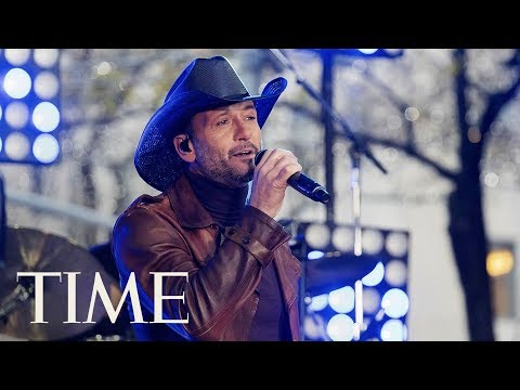 Country Music Star Tim McGraw Collapses During Performance In Ireland Due To Dehydration | TIME