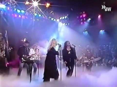 Csepregi Eva & Leslie Mandoki - Korea (Live @ Clip Klapp 1989)