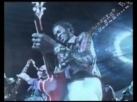 Chuck Berry - Reelin' And Rockin (The London Rock N Roll Show, Wembley Stadium   Aug  5, 1972)