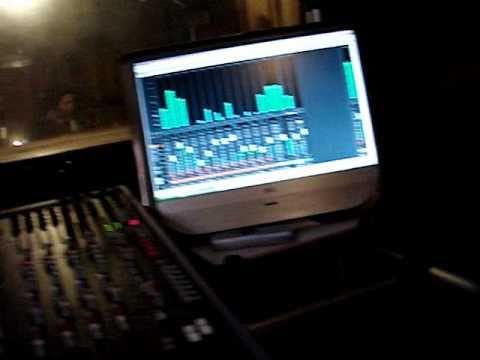 Roger Aleixo Gravando ´s do Produtor Roberto Reiswmv