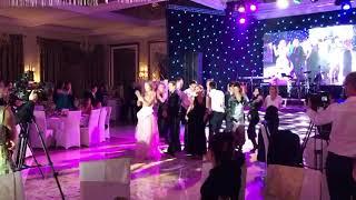Флешмоб на свадьбу друзей! Сюрприз молодоженам!
