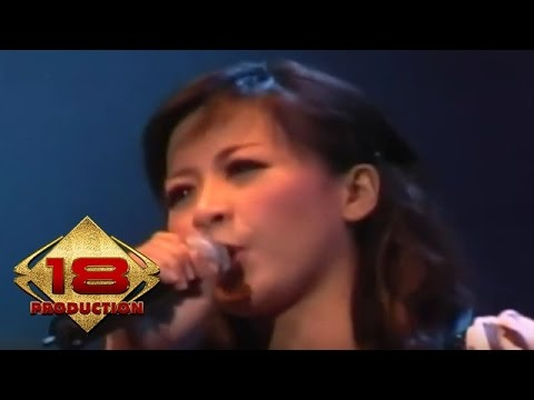 Download lagu terbaru Astrid - Kosong (Live Konser Semarang 1 September 2007) - ZingLagu.Com