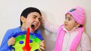 Celina Cleans house - Hasouna play with toys - سيلينا تنظف المنزل