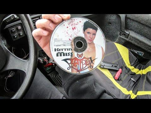 Этот  диск убивает всю технику в которую его вставили.