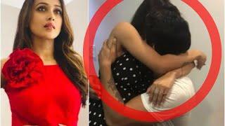 মিমির সাথে ঘনিষ্টভাবে ছবি! কে এই ছেলে? | Actress Mimi Chakraborty Viral Twitter Photo 2018!