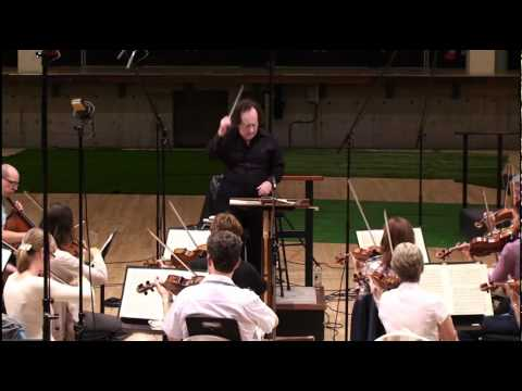 Jose Serebrier conducts Dvorak: 'Slavonic Dance op.46, No.1'