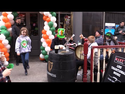 WATCH: Young girl delights Dublin crowds with Irish dancing performance Mp3
